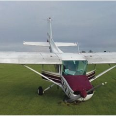 Short-field landing instruction led to nosewheel collapse